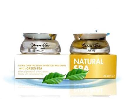 Review kem natural spa luôn được đánh giá ở độ an toàn, hiệu quả.