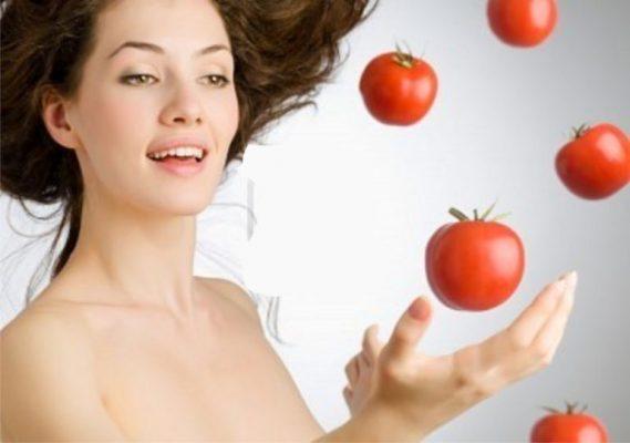 Sử dụng toner cà chua với nước chanh