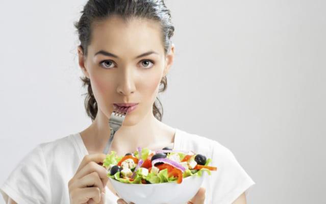 Ăn gì tốt cho da mụn? Sản phẩm kem trị mụn natural spa