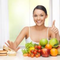 Những thực phẩm nên và không nên ăn đối với da mụn