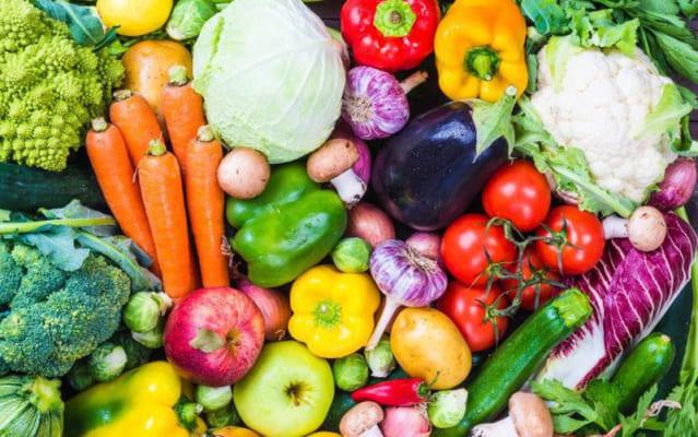 Những thực phẩm nên và không nên ăn đối với da mụn.