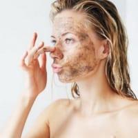 4 sai lầm thường gặp khi tẩy tế bào chết cho da mụn
