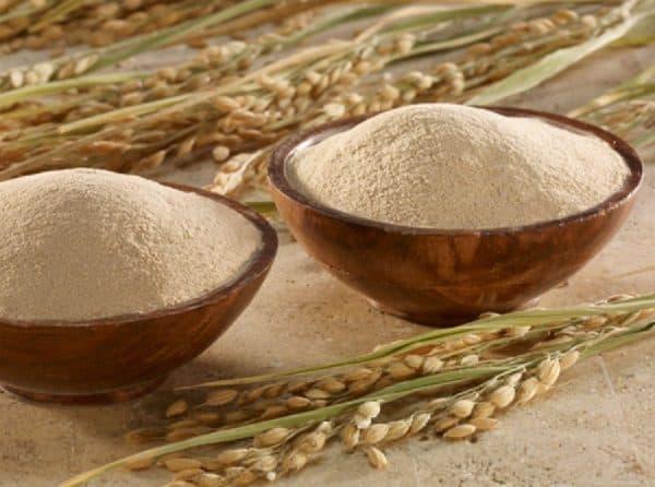 Cách làm kem trắng da không ăn nắng từ bột cám gạo