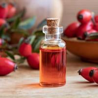 7 loại tinh dầu dưỡng ẩm từ thiên nhiên giúp cấp ẩm cho da khô