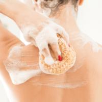 Các bước skincare đúng cách trước khi dưỡng da body là gì?